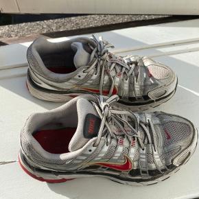 Fede Sneakers; Nike P-6000. Få tegn på brug, men ellers i rigtig god stand❤️