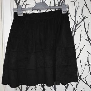 Lækker nederdel fra Noisy May.  Str M. Byd😊
