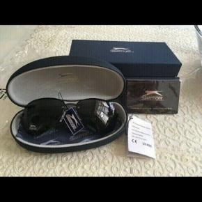 Sælger mine helt nye Slazenger solbriller.... Aldrig brugt  Alt medfølger  Ingen kvit....