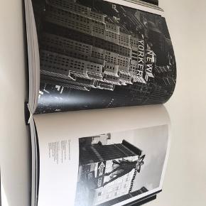 Cofee tabel book, stort set aldrig brugt Afhentes 9520 Skørping eller sendes med dao (plus 45,-)