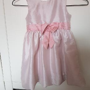 Sød kjole fra H&M str 110