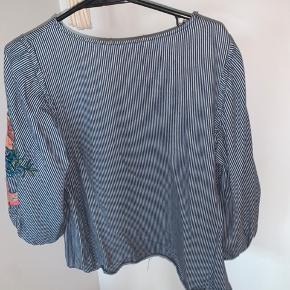 En fin bluse fra ZARA, som ikke fejler noget