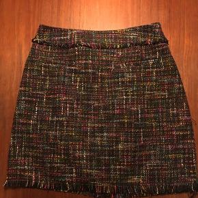 Stof nederdel fra H&M str L   Stof nederdel fra H&M str 38   Prisen er samlet