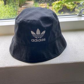 Adidas hat & hue