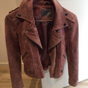 Flot ruskind jakke fra Vero Mora, brugt få gange