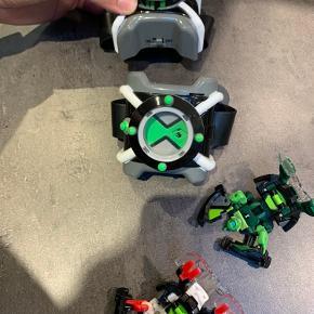 Omnitrix ure Ben-10  Den ene skal skiftes batteri i den anden fungere fint  To medfølgende figurere fra ben-10
