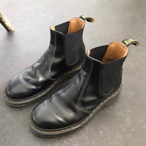 Sælger disse støvler, da de desværre er for store til mig 👎🏼  Kom med et bud 😊