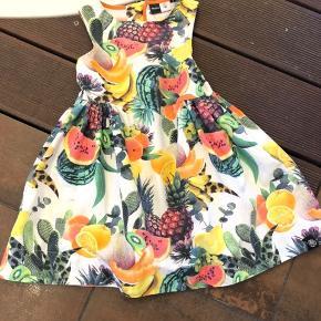 Flotteste kjole, dog mindre pletter som kan ikke ses på afstand ( se den sidste billede)