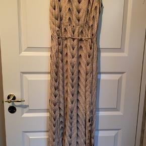 Selected kjole