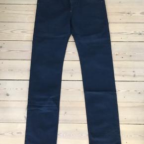 Levis jeans str. 33/34. Byd