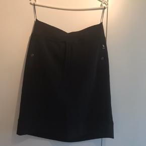 Rigtig fin nederdel fra Betty Barcley.