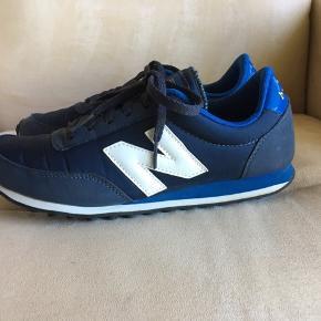 Lækre sneakers fra New Balance, sparsomt brugte så er næsten som nye.