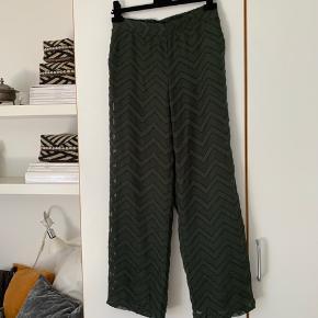 Sælger disse fine grønne bukser fra Won Hundred☺️ Modellen hedder Lilian