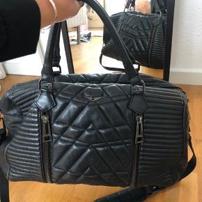Super flot og velholdt taske fra zadig&voltaire. Købt i 2016.