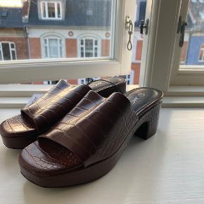 Monki heels