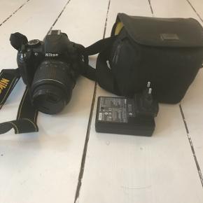 Sælger mit Nikon D3100-kamera. Det er købt for 4 år siden, men er ikke blevet brugt meget. Taske medfølger.  Byd gerne.