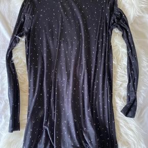Envii kjole, med prikker 🤍✨ Str. S ✨ Aldrig brugt 🤍 BYD ✨