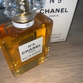 Brugt 1 gang Sælges da det ikke er min duft