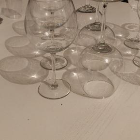 6 hvidvins glas  6 rødvins glas