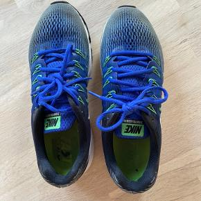 Nike Zoom Pegasus løbesko. Kun let brugte, da de er blevet for små