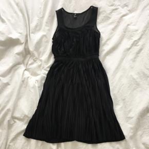 Robe H&M plissée noire   Taille S