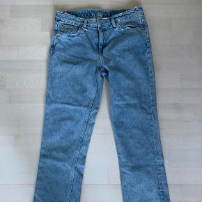 Weekday jeans Waist 28 Fitter lidt som mom-jeans