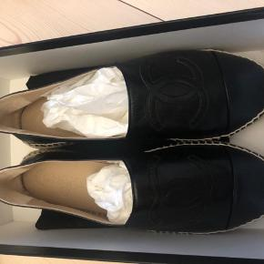 Ubrugte Chanel Espadrilles i sort læder