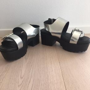 Spacey Moon sandaler, behagelige og brugt meget få gange