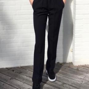 Bukser fra designbysi. Er desværre købt for små og har derfor aldrig været brugt (med prismærke) - derfor er prisen også derefter