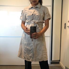Mega fin kjole fra Fransa Str: medium Byd :)