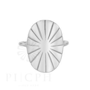 Pernille Corydon Era ring, str. 55 (justerbar).  Brugt få gange, ingen tydelige tegn på brug. Nypris 500 kr. Æske medfølger.