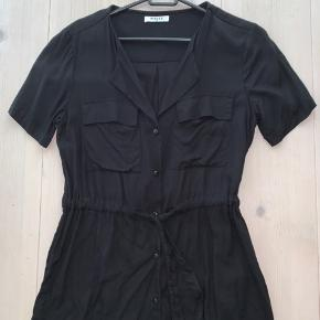 Skjorte fra Pieces 🌸 passer også en S