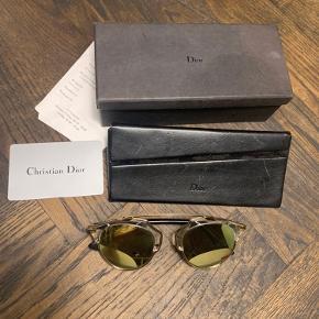 Christian dior So real solbriller    Alt medfølger: kvittering, boks, autenticitets kort  BYD (forbeholder mig dog retten til ikke at sælge, hvis ønskede pris ikke opnås)
