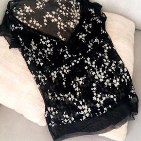 Sød bluse fra Armani 🌸