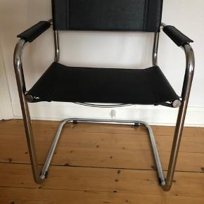 Har 2 stk . 400 pr stol