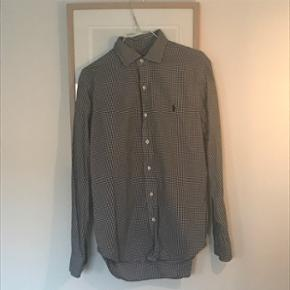 Ternet skjorte, glimrende stand!  Byd!