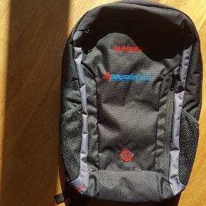 Ubrugt laptop-rygsæk fra Mammut Xeron Element 22L med paysafecard logo på  Detaljer • 600D polyester • Front-RV-lomme med organitionsrum • 2 nettasker • Rygpolstring  Dimensioner (HxBxD): 46 x 27 x 23 cm  Ny pris 525,-