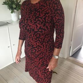 Brugt en gang, super sød Jersey stof kjole.