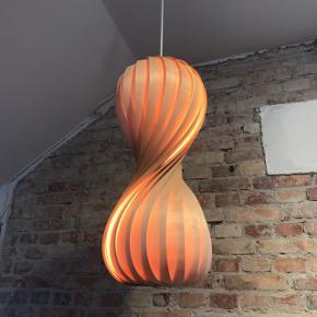 Tom Rossau Lampe 😍 Np: 4200kr  Størrelse: 55h x 25d cm