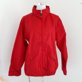 Regenjacke Marke Switscher mit verstaubarer Kaputze.Auch für Kinder (Jungs oder Mädchen Gr. 176). Preis inklusiv Porto 🌸