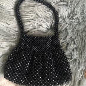 Super smuk perle taske 🌸💛 den er håndlavet, så der findes ingen andre som den ☺️