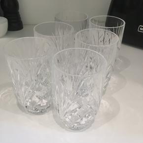 Sælger disse 6 juiceglas fra Nachtmann da jeg ikke får dem brugt. Fejler intet og er brugt få gange. Skal afhentes på min adresse på Amager eller sendes såfremt køber betaler fragten.