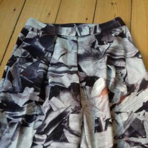 Fine bukser fra AQ/AQ i str. UK 6 og USA 2