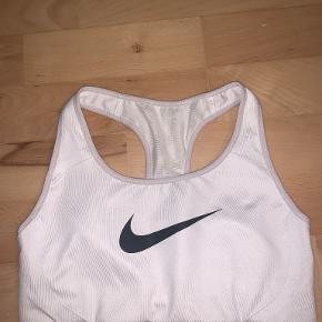Nike Sportswear tøj