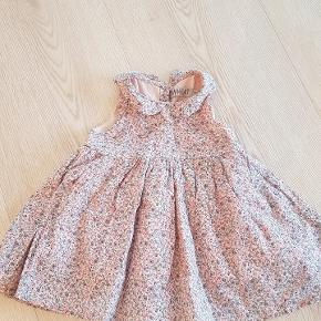 Super fin kjole fra wheat.  Kan sende med dao på købers regning   Handler helst via MobilePay ellers betaler køber gebyret.