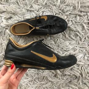 Nike shox sko sneakers Str 39 (25cm) Brugt