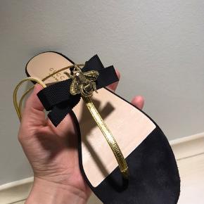 Gucci moody bee suede sandals Brugt meget lidt, kvittering haves ikke længere. I meget godt stand