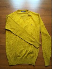 Klassisk Tommy Hilfiger sweater