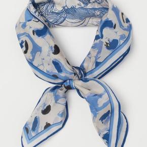 Tørklæde i silkeblanding