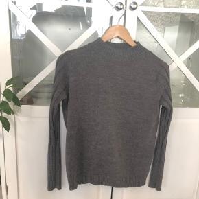 Sød sweater fra VRS i god stand 🥰 Den passer også en small 😄